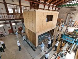 【レポート】オスカーホームのインナーガレージ付き住宅を使って、耐震実験を行いました