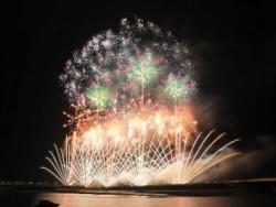 夏を盛り上げる風物詩。新潟県の代表的な夏イベント「越後三大花火」