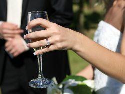 結婚式を挙げるなら6月!「ジューンブライド」と言われるようになった由来は?
