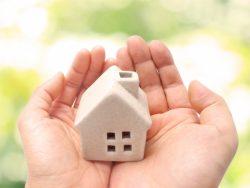 マイホーム「買い時」購入する平均年齢はいつ?貯蓄額はどれくらい?