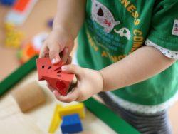 3歳〜6歳頃の子どもがおもちゃを片付けてくれるには。