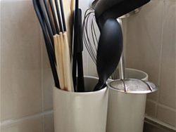片付けにくいキッチン用品、お金をかけずに使いやすく収納!