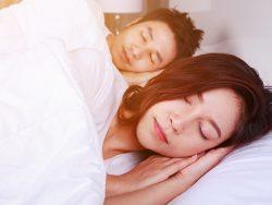 脳をリラックスしてぐっすりすぐ眠る方法について調べてみた