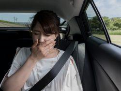 時間がない時にすぐにできる、車内の臭いを消す応急処置方法