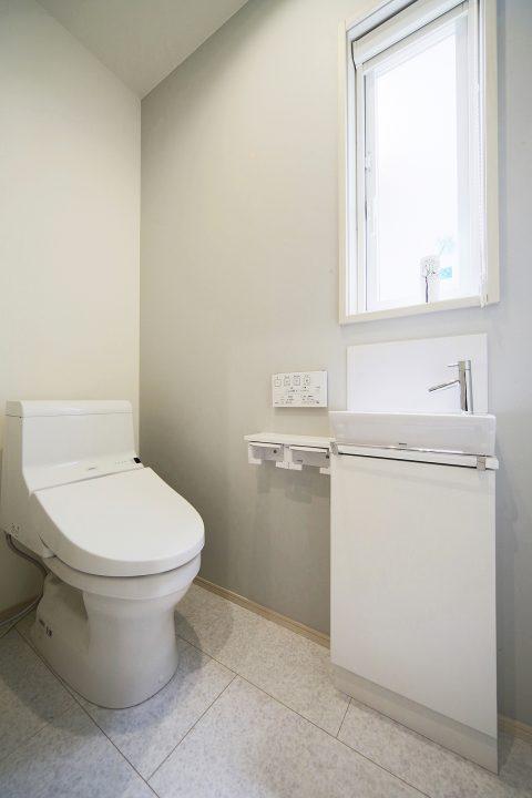東区浜谷町モデルハウス トイレ