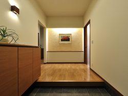 家の顔である玄関をアレンジする方法