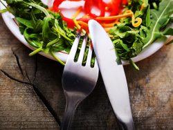 正しい食事制限とは?栄養の優先順位とタンパク質について