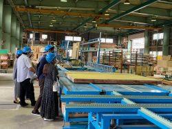 オスカーホームの工場見学会。次回は11月21日(本年度最終)です。